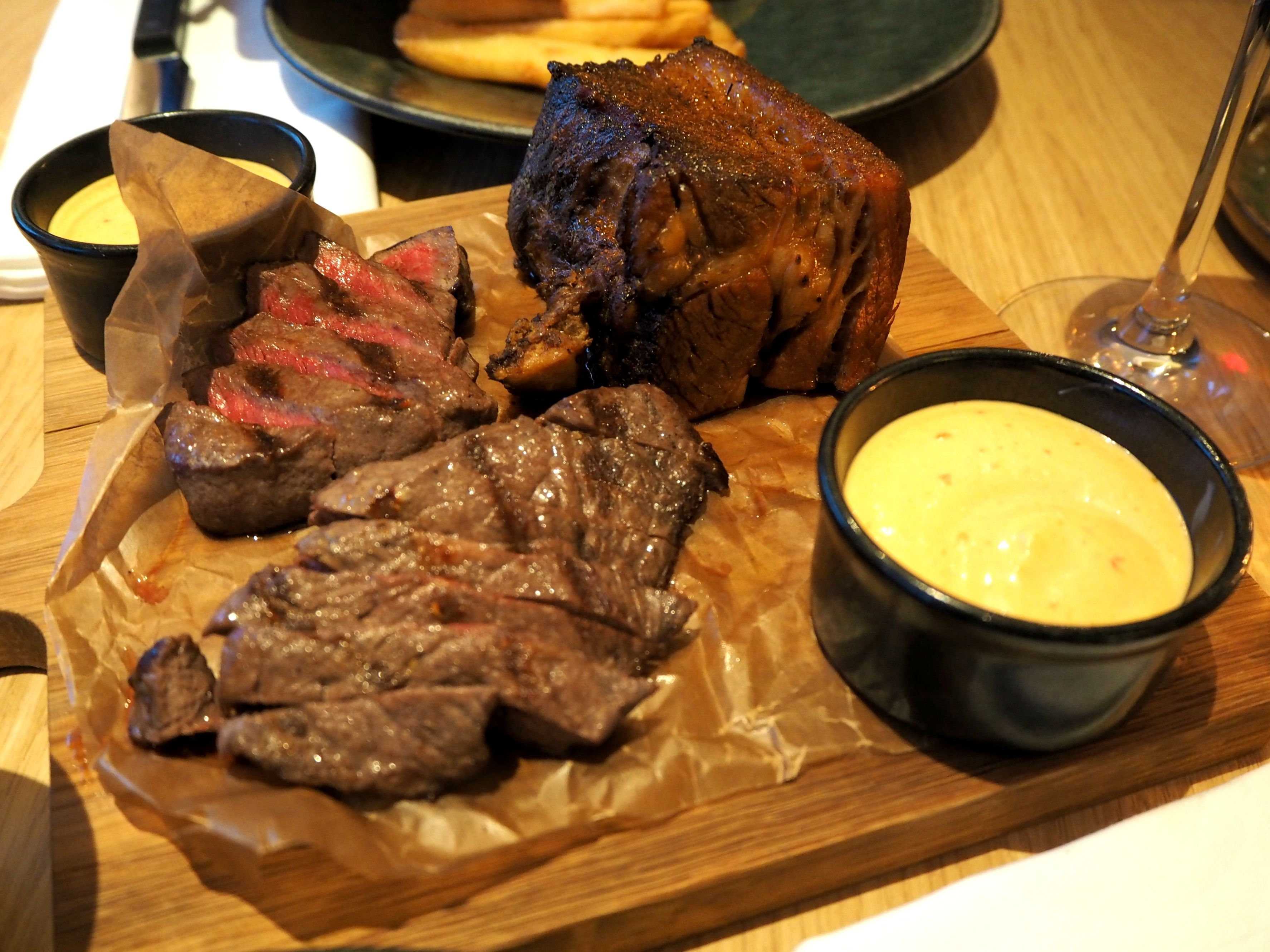 Hand-picked limousin sirloin and 12 hours brisket with smoked chili mayonnaise at FireLake Stavanger