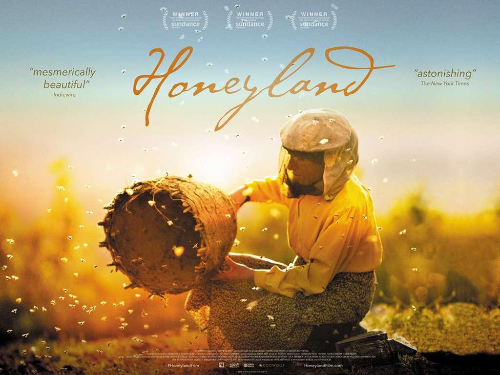 Στη Γη του Άγριου Μελιού (Honeyland) Poster Πόστερ Wallpaper