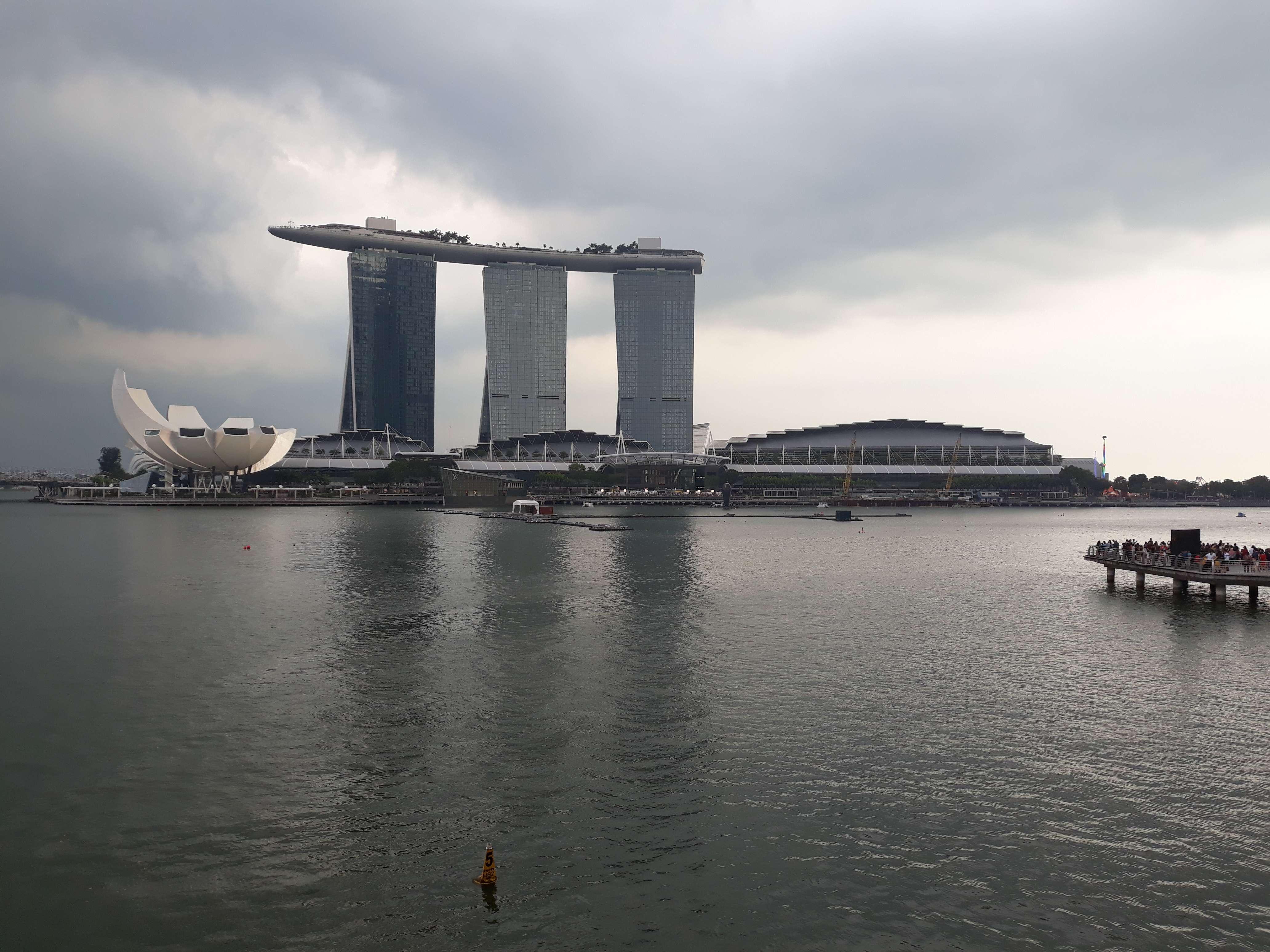 Dana Liburan Keluarga vs Dana Liburan Pribadi (Singapura)
