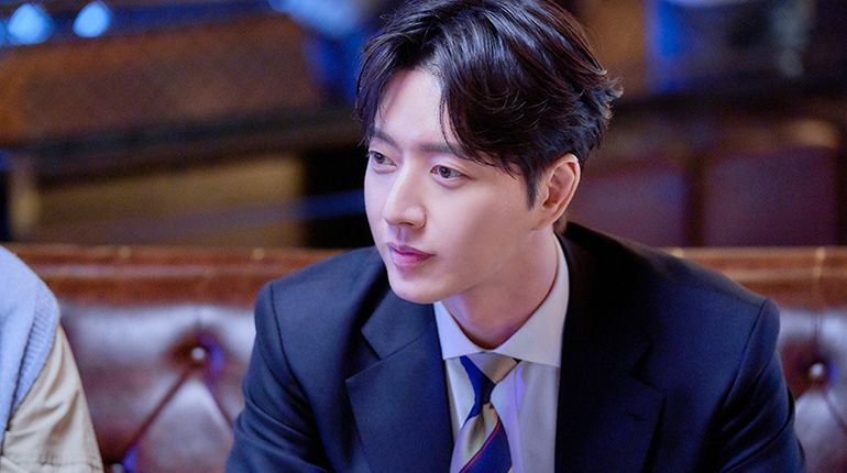 "MBC Releases Stills for Park Hae Jin's New Drama ""Old School Intern"""