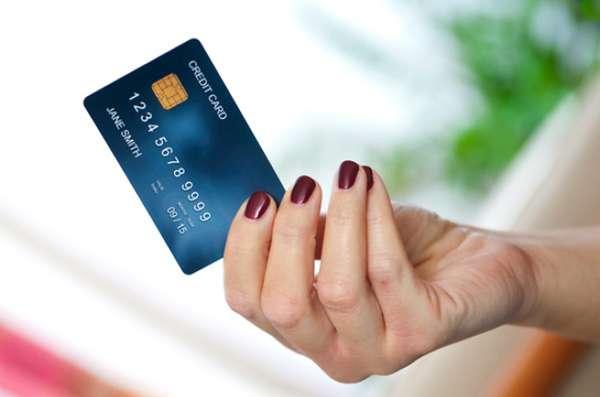 Кредитная карта: как не платить лишние деньги и заработать на кредитке