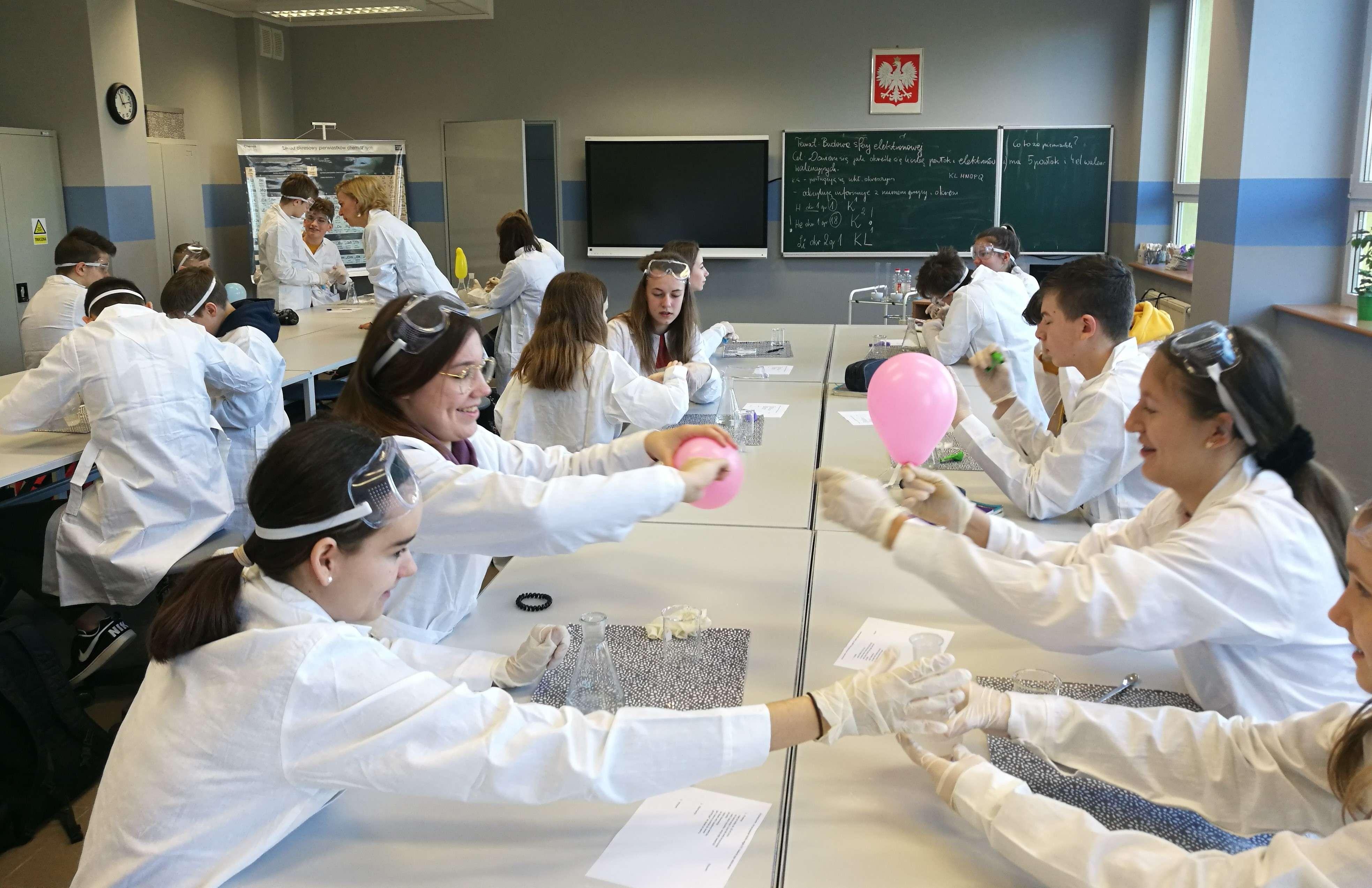 Otwarcie nowej pracowni chemicznej
