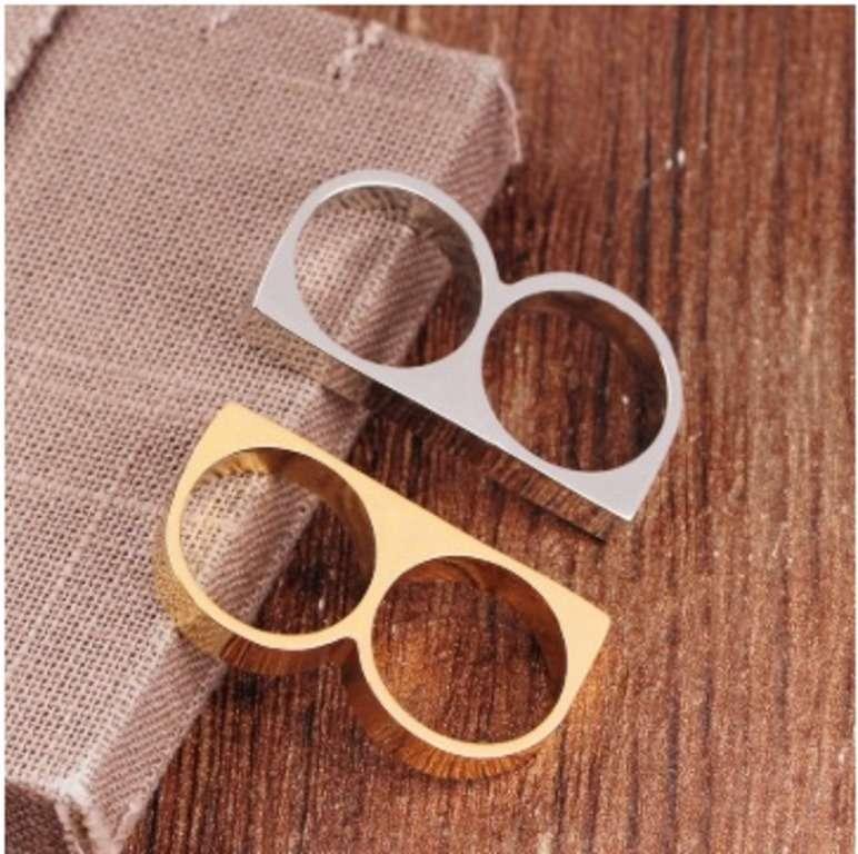Solid White Gold Ladies Ring Simple Zigzag Design SM16