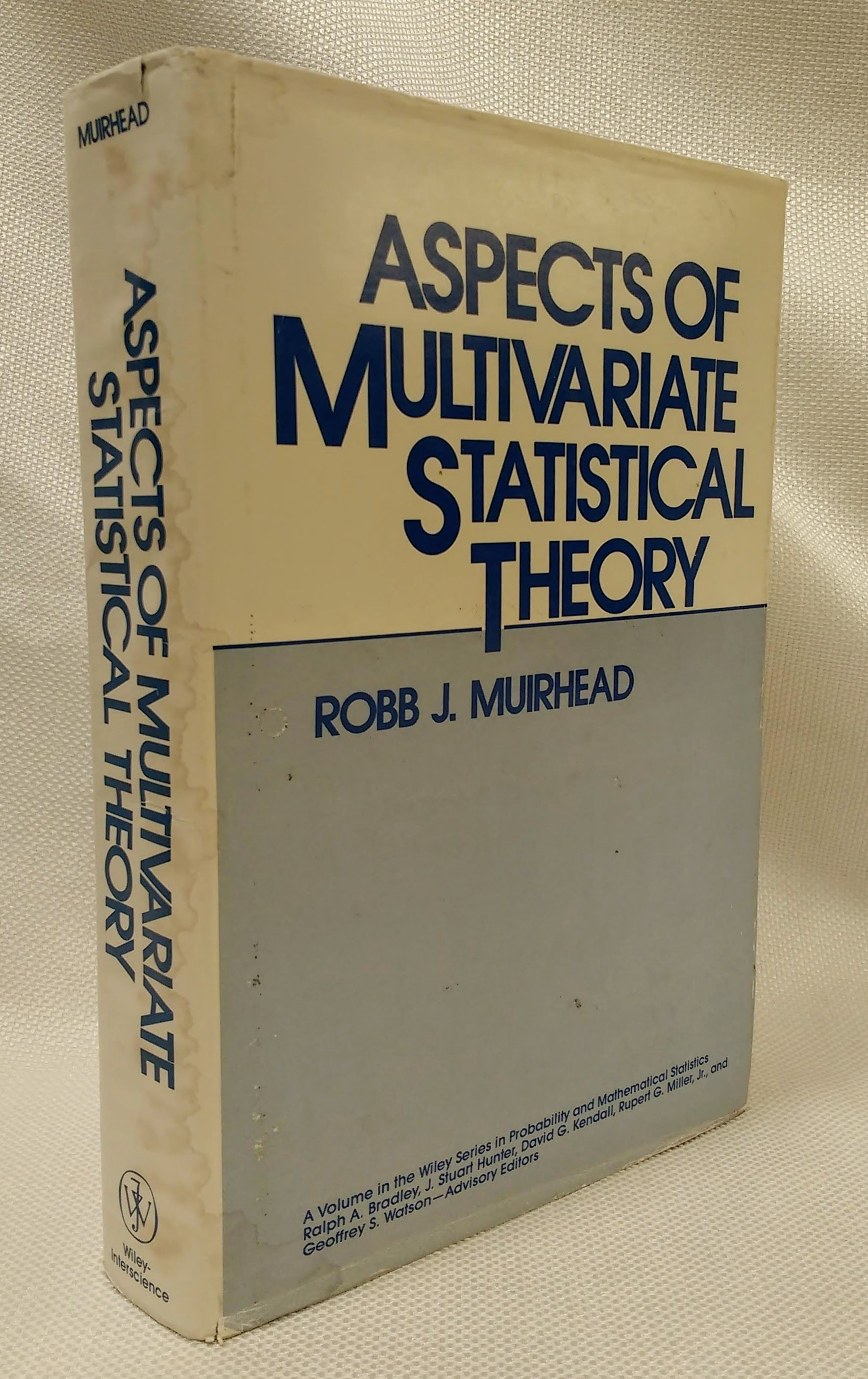 Aspects of Multivariate Statistical Theory (Wiley Series in Probability and Statistics), Muirhead, Robb J.