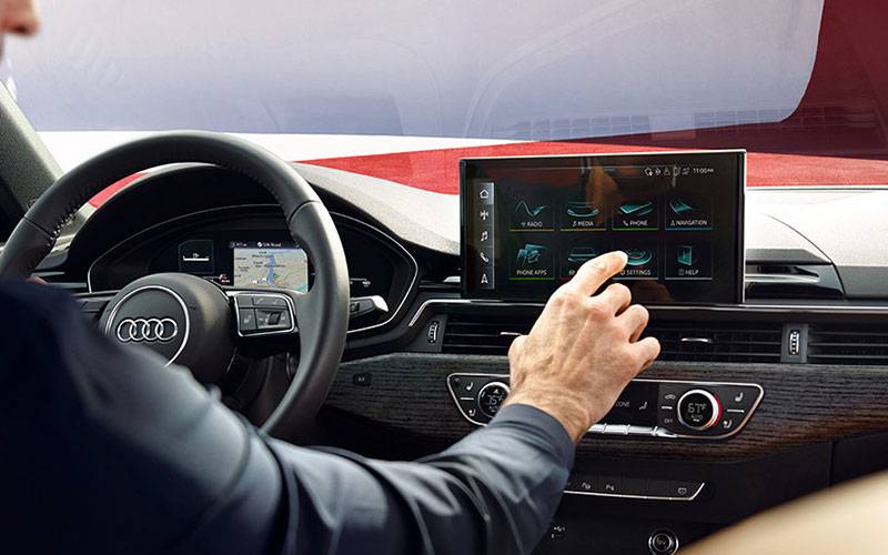 Audi A4 MMI Touch Display