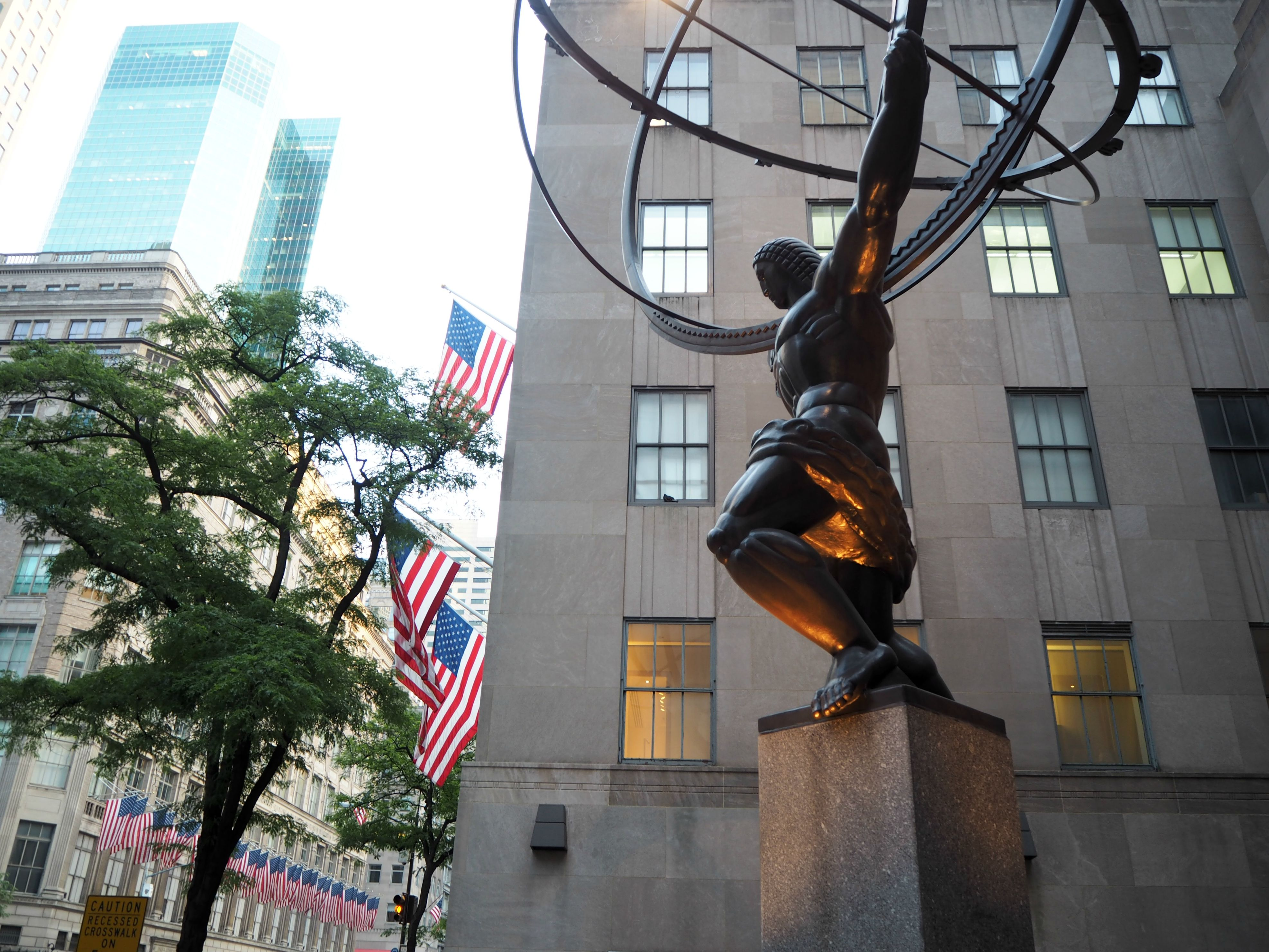 Atlas in front of Rockefeller Building in New York City