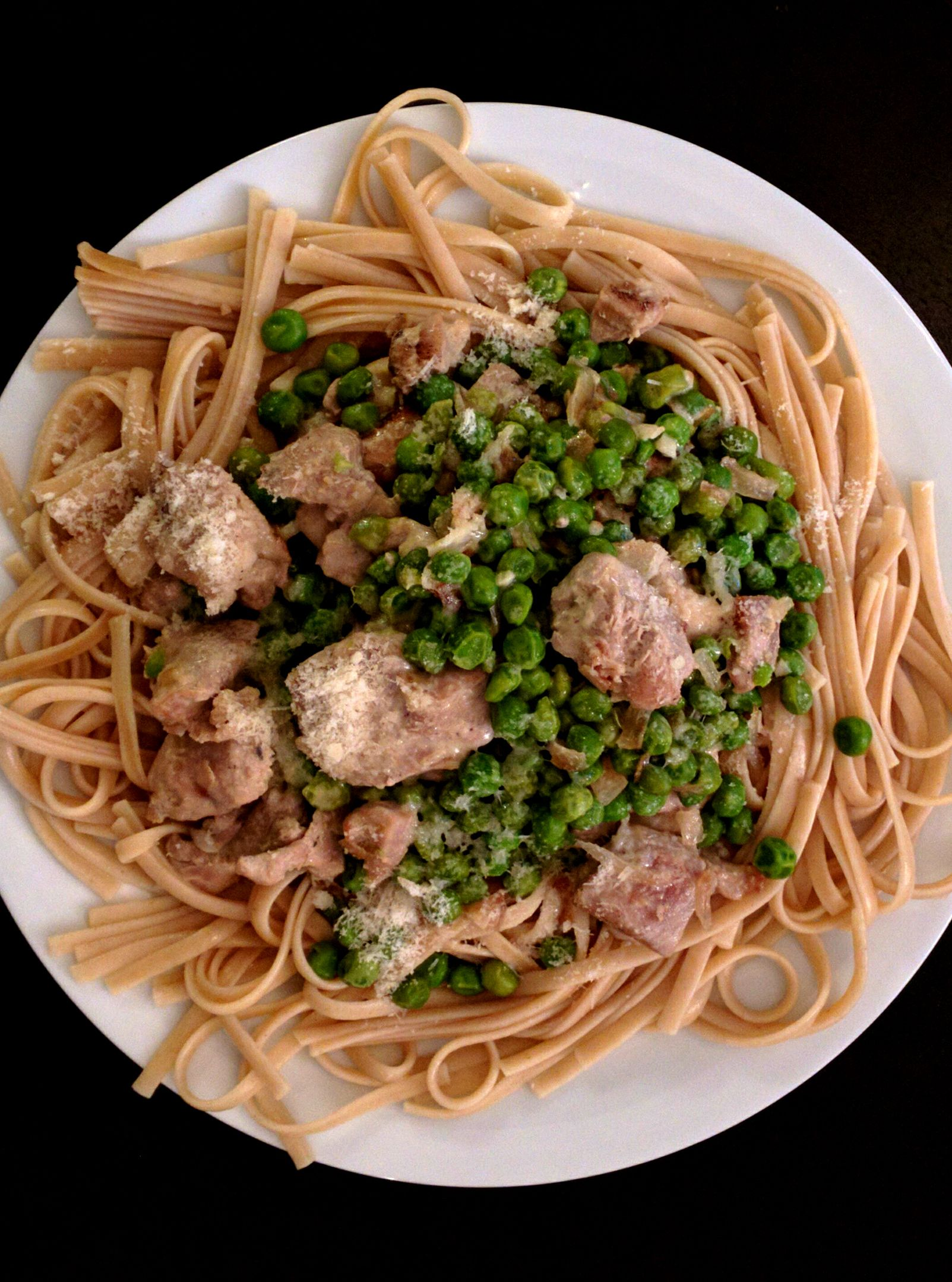 Turkey linguine with green peas (from Adams Matkasse)