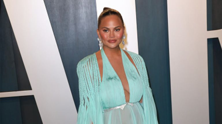 "Chrissy Teigen Is Removing Her Breast Implants Because She's ""Over It"""""