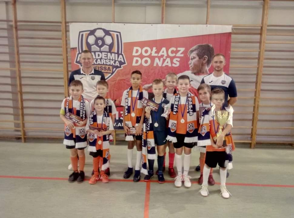 Srebrny medal Reiss Cup trafia doPniew!