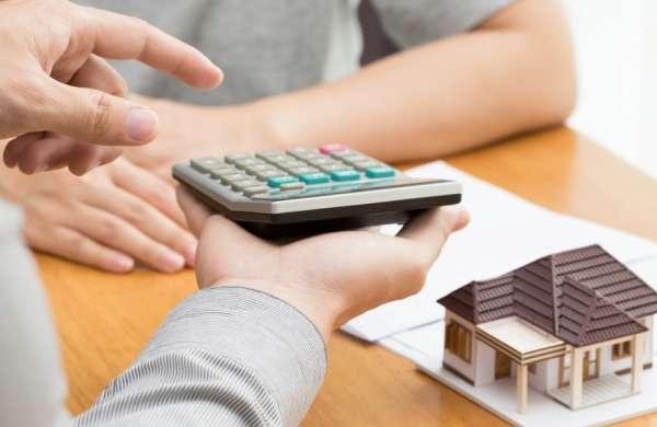 Что выгоднее, взять кредит на покупку или откладывать деньги