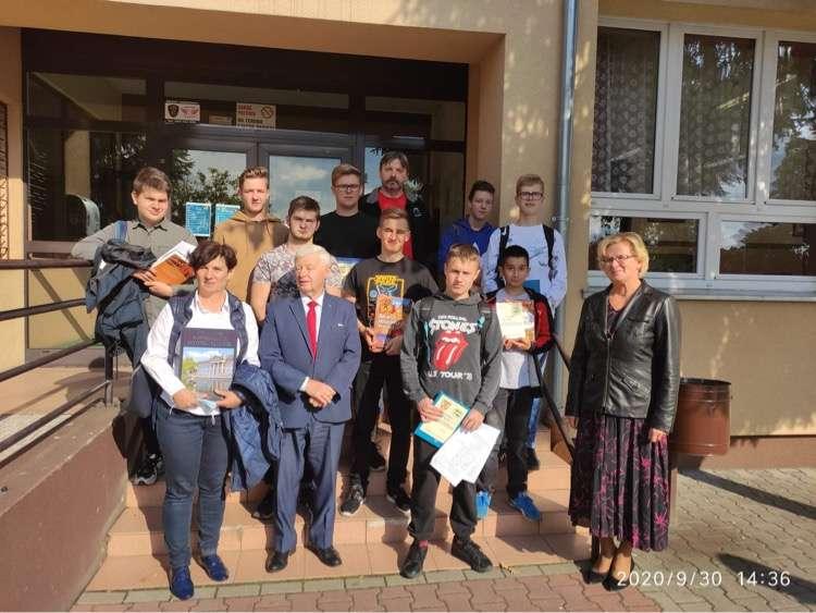 Wygraliśmy Powiatową Olimpiadę Wiedzy Turystyczno-Krajoznawczej