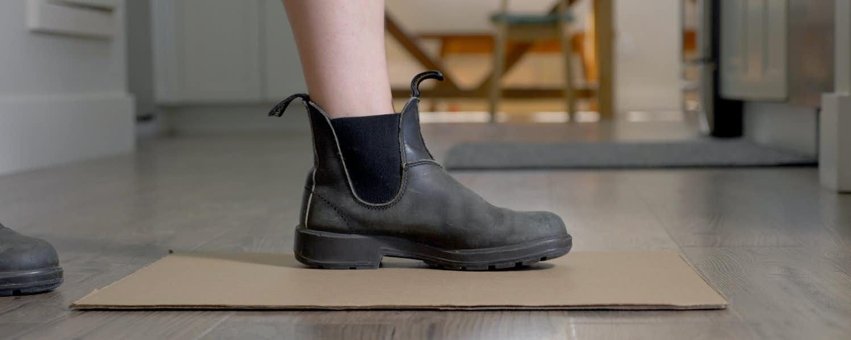 Mierzenie rozmiaru buta przed zakupem