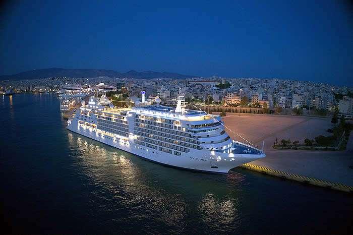 Silver Moon se convirtió oficialmente en el noveno barco de la flota líder de cruceros de ultra lujo