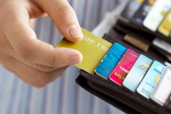 Стоит ли пользоваться кредитными картами?