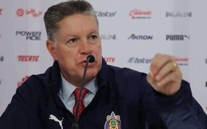 Ricardo Peláez no alcanza boleto para viajar con Chivas a Tijuana