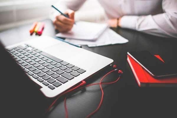 Как заработать копирайтеру, ведя свой блог или сайт