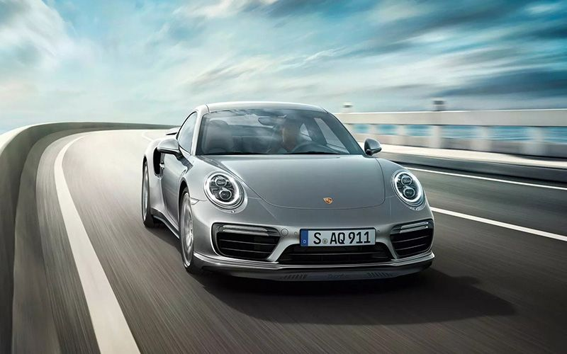 Porsche 911 Dynamic Chassis Control