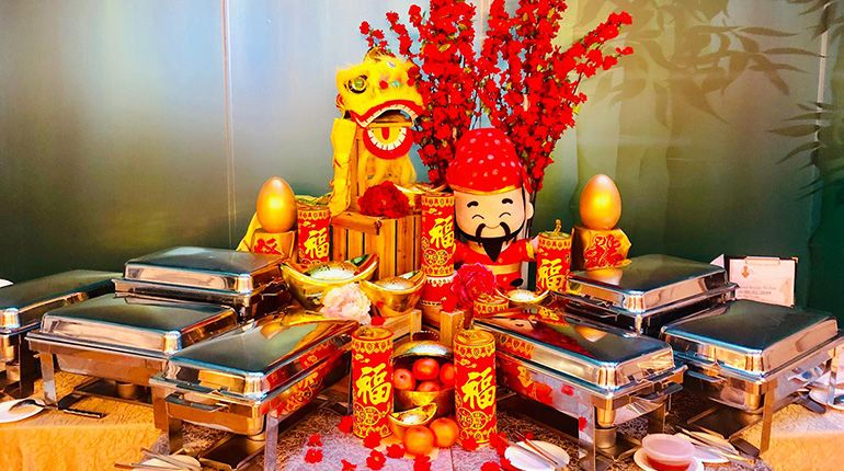 Tantalise Your Tastebuds This Chinese New Year with How's Catering's Buffet Spread