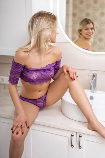 MetArt_Purple-Lace_Leaya_high_0017.jpg