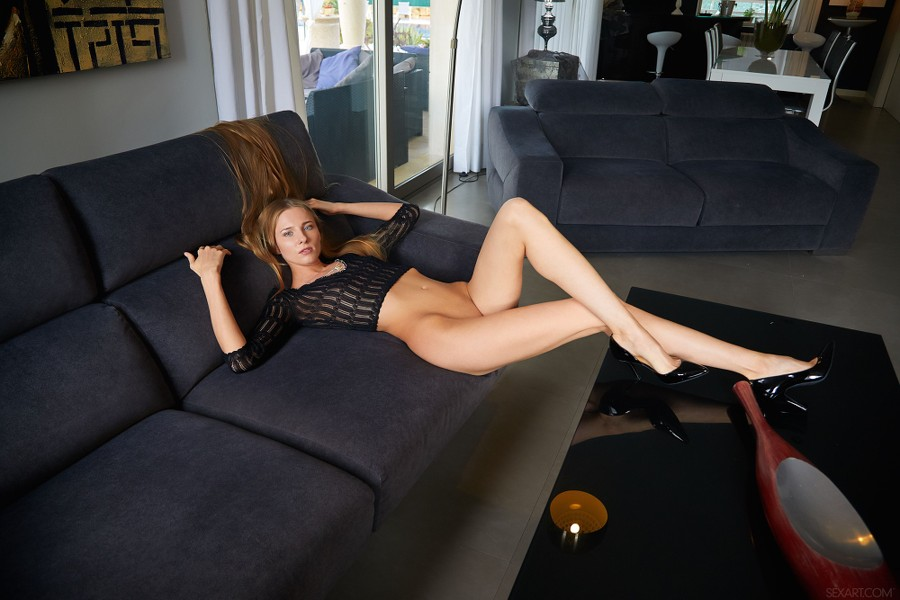 SexArt_Crop-Top_Nimfa_high_0003.jpg