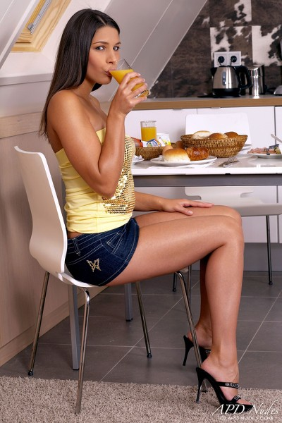 APDNudes - 2009-12-24 - Zafira - Breakfast Time - By Christof