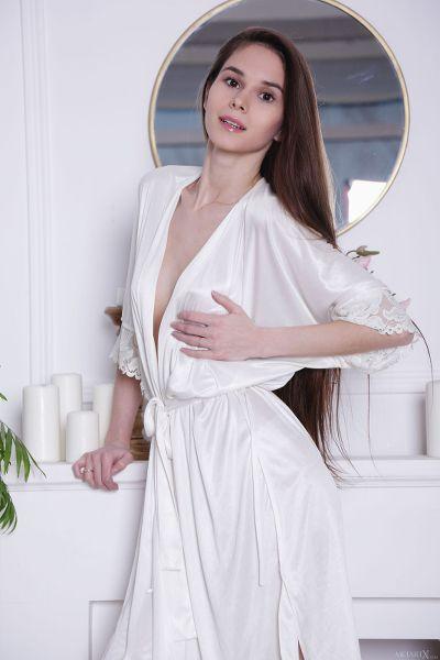 MetArtX - 2018-06-21 - Leona Mia - Satin Touch - By Flora