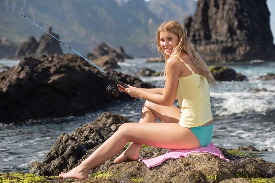 MetArt_Gone-Fishing_Casey_high_0007.jpg