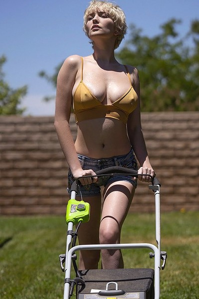 Met Art - 2019-10-15 - Skye Blue - Hot Gardener - By Charles Lightfoot 151 4000X6000