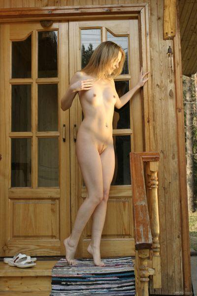 EroticBeauty - 2017-08-16 - Sveti - At The Chalet - By Lobanov