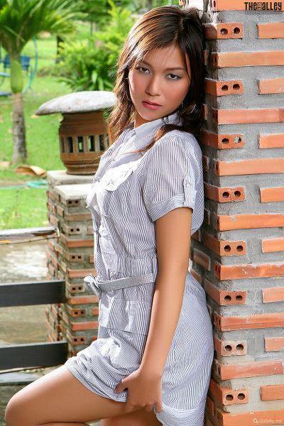 Linda-Pongsai-04-011.jpg