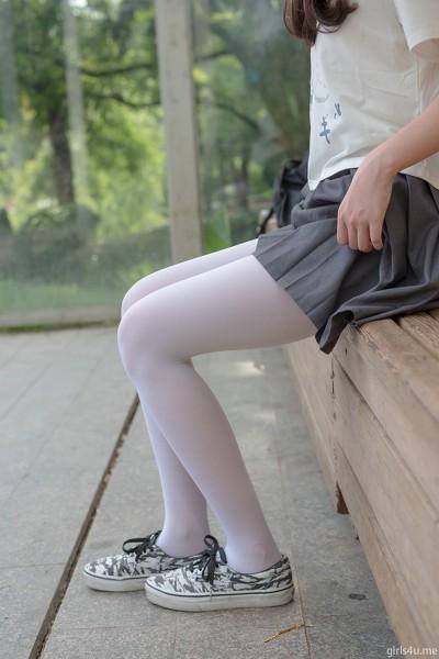 森萝财团 萝莉丝足 写真 R15-014 白丝妹妹游园