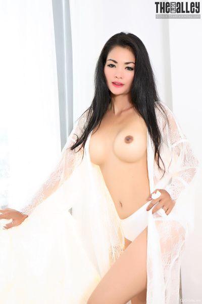 TheBalckAlley Arina Zhen 40