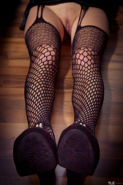 TheLifeErotic_Fishnet-Stockings-1_Bella-Tion_high_0016.jpg