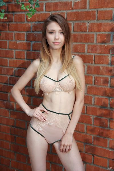 Watch4Beauty - 2018-09-05 - Milla - You Dont Know Me Yet