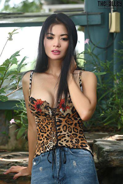TheBalckAlley Arina Zhen 48