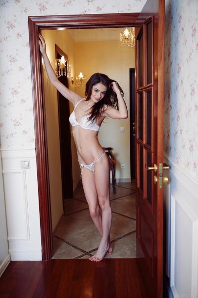 SexArt - 2013-08-01 - Loretta A - Caricia - By Vicente Silva