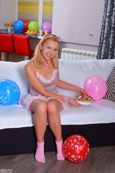 AmourAngels - 2018-03-06 - Marilyn - Naked Birthday - By Alexander