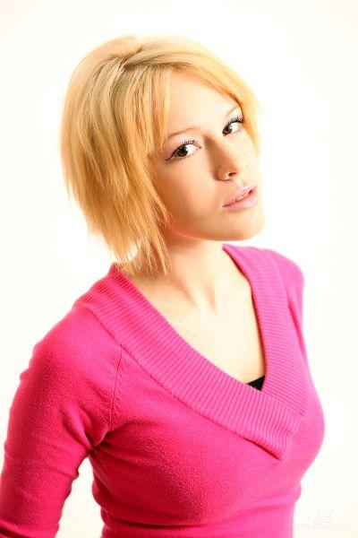 Watch4Beauty - 2011-04-06 - Jennifer - Casting Jennifer