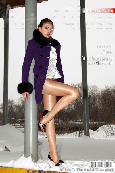 Art of Gloss - 2010 Week 23-3 - Alexa  Doubled Wolford Neon 40 Part Ii 49 1310X1966