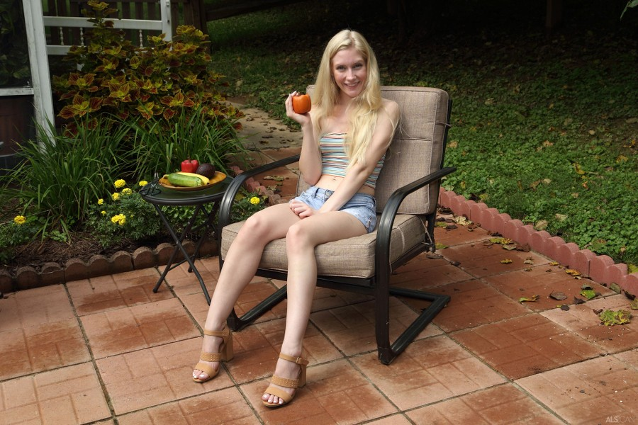 ALS_Hot-Off-the-Grill_Emma-Starletto_high_0013.jpg
