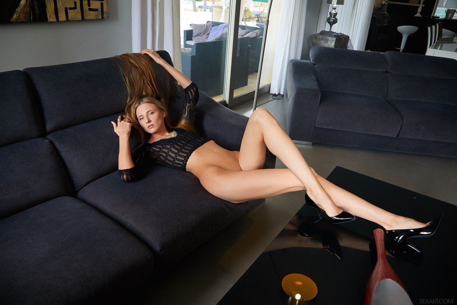 SexArt_Crop-Top_Nimfa_high_0004.jpg