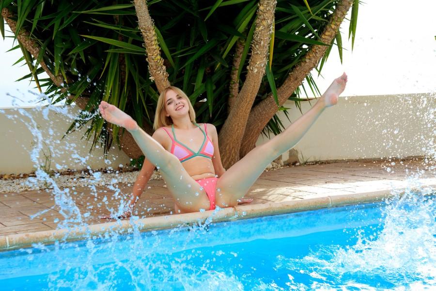 MetArt_Refreshing-Swim_Chanel-Fenn_high_0013.jpg