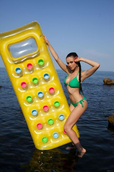 EroticBeauty - 2018-04-19 - Mirela A - Float Away - By Quanty Rodriguez