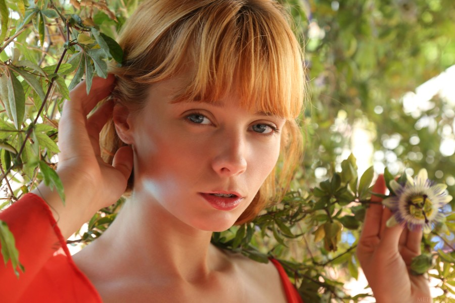 MetArt_Presenting-Lily-Fleur_Lily-Fleur_high_0008.jpg
