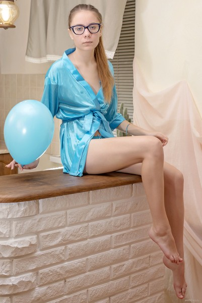 EroticBeauty - 2019-04-14 - Rimma B - Kitchen Blues - By Stanislav Borovec