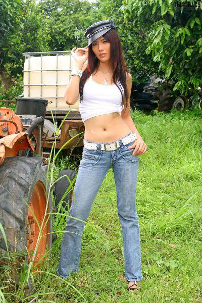 TheBalckAlley Sonia Wild 06