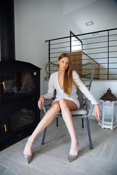 MetArt - 2018-10-24 - Nimfa - Legs For Days - By Erro