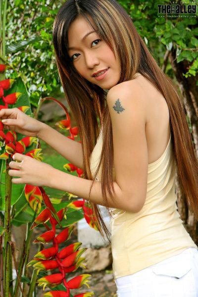 TheBalckAlley Lee Jen Jen 01