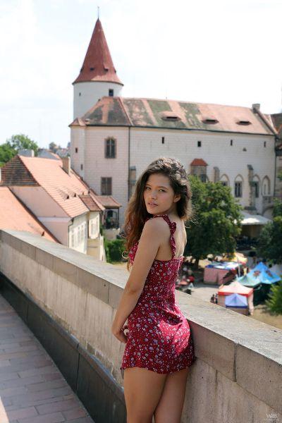 Watch4Beauty - 2018-08-13 - Magazine - Irene Rouse - Irene In Prague