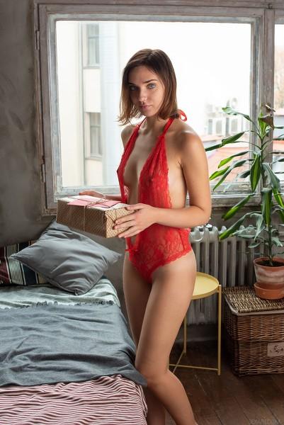SexArt - 2019-02-14 - Oxana Chic - Be Mine - By Tora Ness